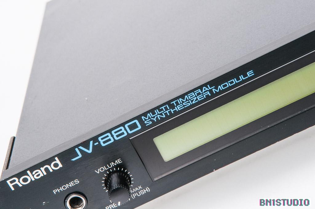 Roland JV-880